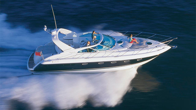 Sports Motor Yacht Hire London